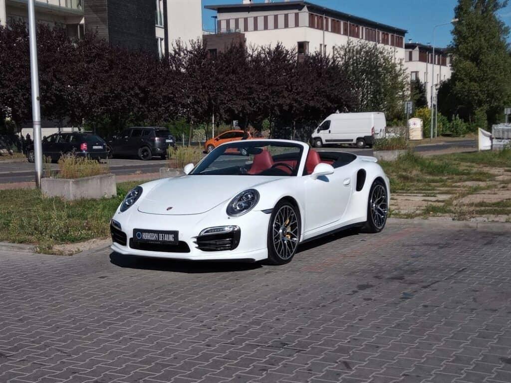 Porsche po polerowaniu lakieru